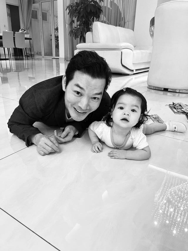 Trần Bảo Sơn hạnh phúc bên con gái thứ 2, tiết lộ hai con chưa từng gặp nhau - Ảnh 3.