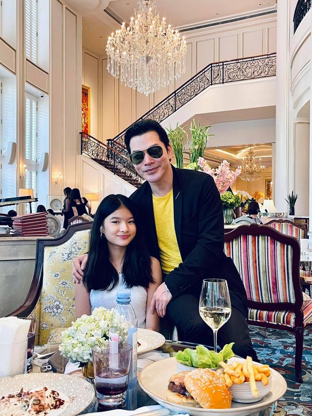 Trần Bảo Sơn hạnh phúc bên con gái thứ 2, tiết lộ hai con chưa từng gặp nhau - Ảnh 2.