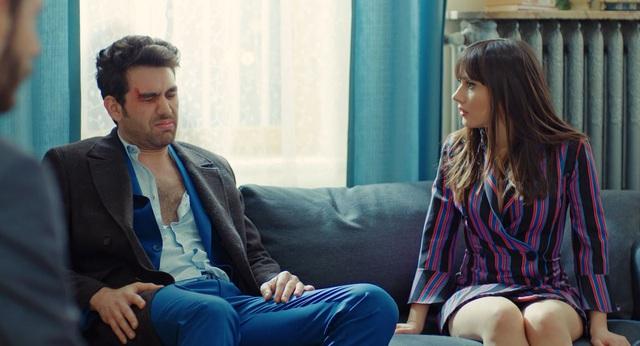 Trái cấm: Cắm sừng người yêu nhưng Alihan vẫn phá rối khi nghĩ Zeynep có bạn trai mới - Ảnh 9.