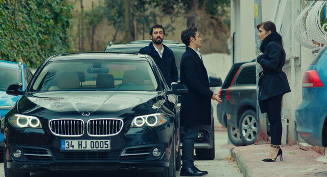 Trái cấm: Cắm sừng người yêu nhưng Alihan vẫn phá rối khi nghĩ Zeynep có bạn trai mới - Ảnh 1.