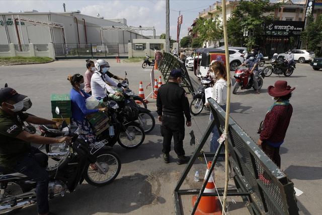 Campuchia ghi nhận kỷ lục gần 1.000 ca mắc mới COVID-19 trong 24 giờ qua - ảnh 1