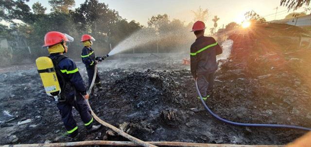 Cháy bãi phế liệu 500m2 tại Đắk Lắk - Ảnh 2.