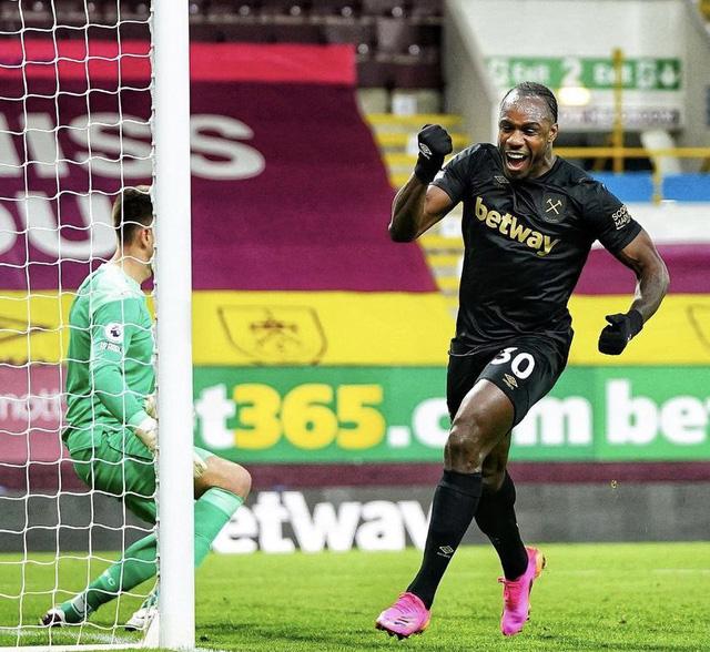 West Ham ngược dòng thắng ngay trên sân của Burnley, bám đuổi cơ hội dự cúp châu Âu - Ảnh 1.