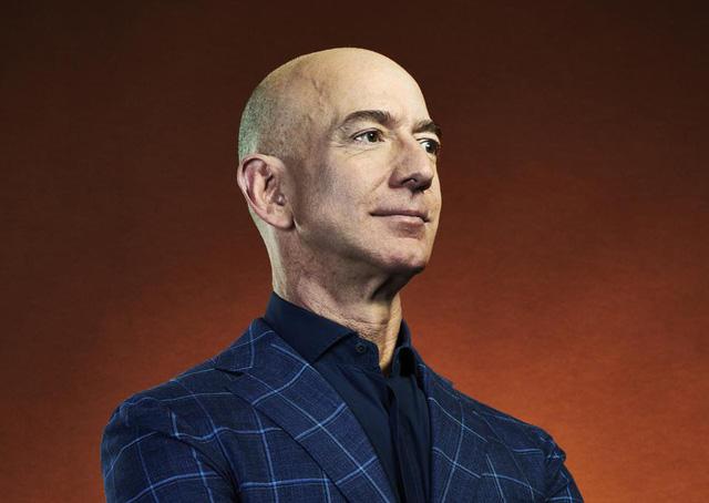 Điểm chung của 2 đại tỷ phú Bill Gates và Jeff Bezos: Họ đều rửa bát mỗi tối trước ly hôn! - ảnh 1