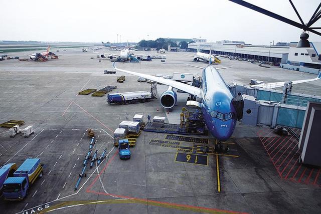 Quyết không bổ sung ồ ạt các sân bay mới trong 10 năm - ảnh 1