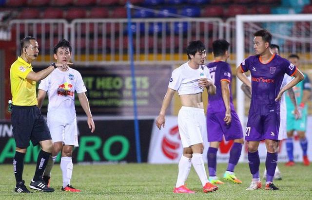 Công Phượng bị treo giò ở vòng 13 V.League 2021 - Ảnh 1.