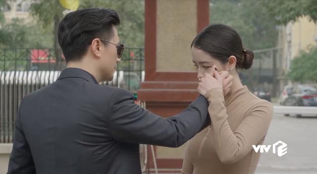 Hướng dương ngược nắng - Tập 63: Mẹ con Cami sắp ra nước ngoài, Hoàng cố tình tránh mặt Minh - Ảnh 11.
