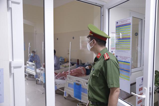 Bệnh viện K xét nghiệm SARS-CoV-2 cho toàn bộ nhân viên, tăng cường biện pháp phòng dịch - Ảnh 1.