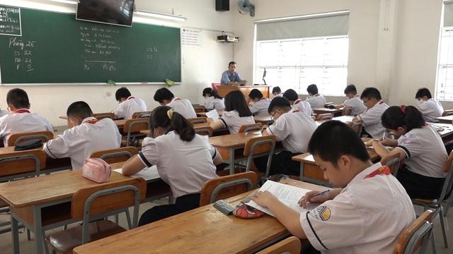 Thầy trò TP Hồ Chí Minh tăng tốc để kết thúc năm học sớm, học sinh lớp 5 hoàn thành bài thi cuối kỳ - Ảnh 13.