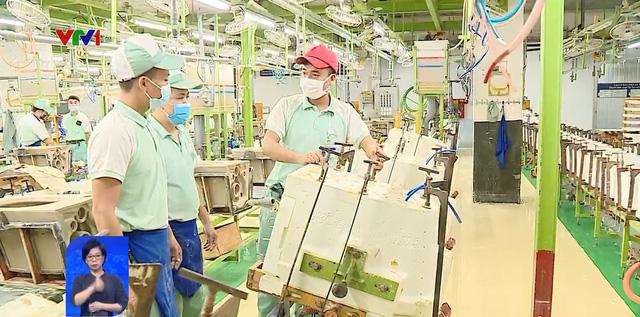 Phòng dịch trong sản xuất: Chỉ 1 ca nghi nhiễm là cả nhà máy bị phong tỏa  - Ảnh 1.
