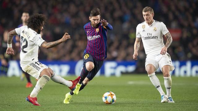 UEFA xem xét trừng phạt các đội bóng vẫn còn ở dự án Super League - Ảnh 1.