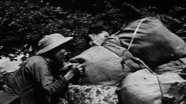 Điện Biên Phủ ngày ấy và câu chuyện từ một đội trưởng đội dân công hỏa tuyến - Ảnh 3.