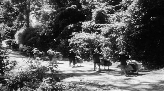 Điện Biên Phủ ngày ấy và câu chuyện từ một đội trưởng đội dân công hỏa tuyến - Ảnh 4.