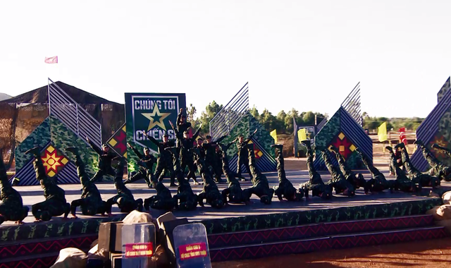 NSƯT Quang Thắng đọ sức cùng các chiến sĩ trong Chúng tôi chiến sĩ 2021 - Ảnh 1.