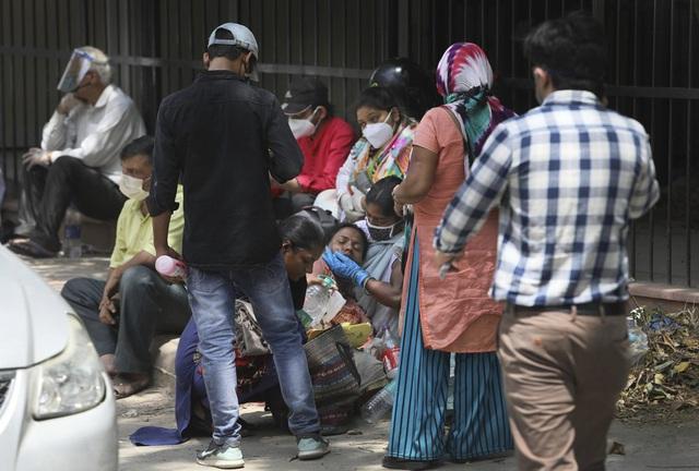 Ấn Độ lần đầu vượt mốc 4.000 ca tử vong/ngày, nhiều nước Đông Nam Á gia tăng số ca mắc mới - Ảnh 1.
