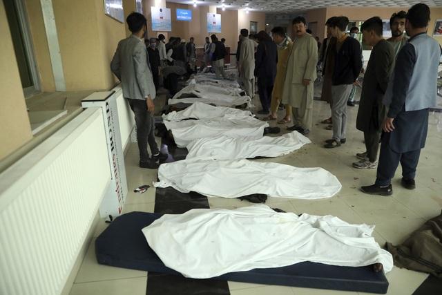Đánh bom xe tại trường học ở thủ đô Afghanistan khiến 55 người thiệt mạng - Ảnh 1.