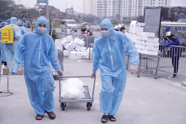 Bệnh viện K hoàn tất lấy mẫu xét nghiệm, 2.450 mẫu có kết quả âm tính - Ảnh 2.