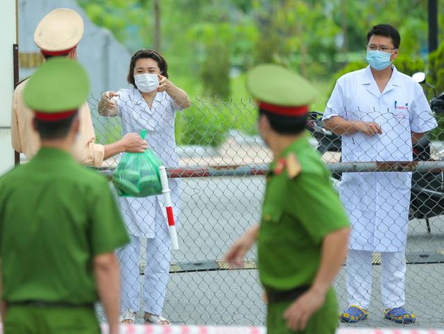 Phong tỏa, cách ly y tế 11 bệnh viện, cơ sở khám chữa bệnh trên cả nước vì COVID-19 - Ảnh 3.