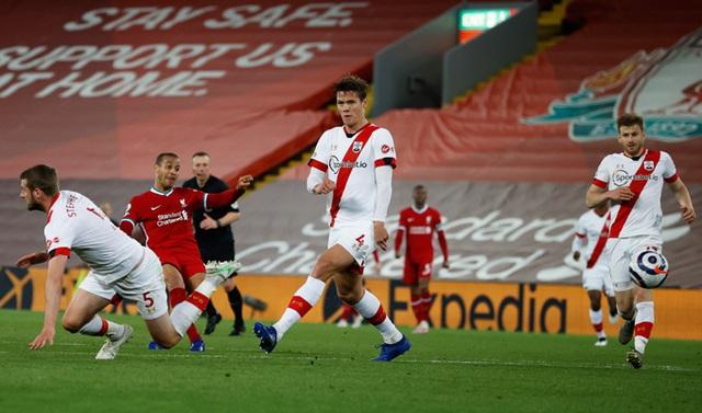 Vượt qua Southampton, Liverpool trở lại cuộc đua Top 4 - Ảnh 2.