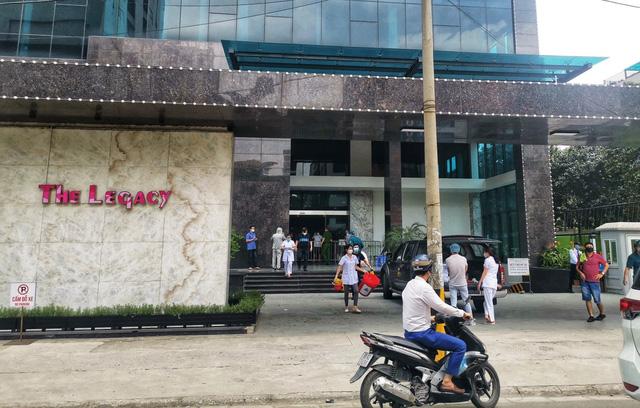 Phong tỏa chung cư ở quận Thanh Xuân vì có ca dương tính với SARS-CoV-2 - Ảnh 2.
