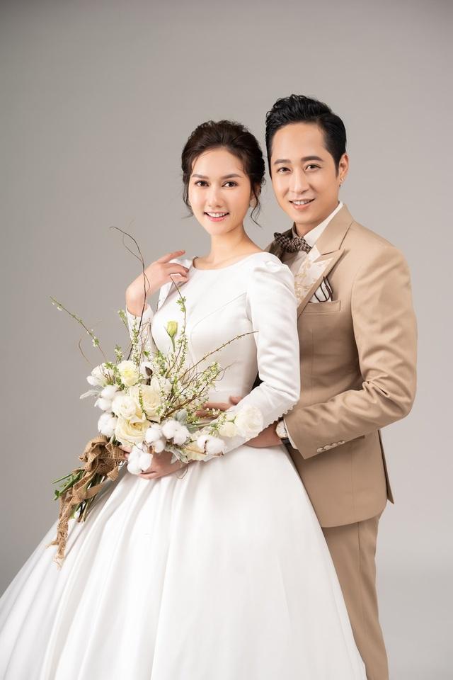 Mùa hoa tìm lại: Ngắm bộ ảnh cực đẹp đôi của tiểu thư Hương Giang và chạn vương Mạnh Hưng - Ảnh 4.