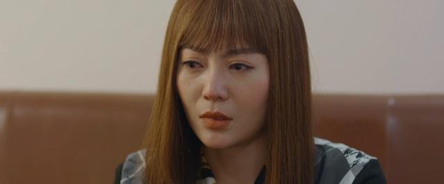 Mùa hoa tìm lại - Tập 8: Lệ vừa hôn Việt thẹn thùng lại bắn tim ngay cho Đồng - Ảnh 2.