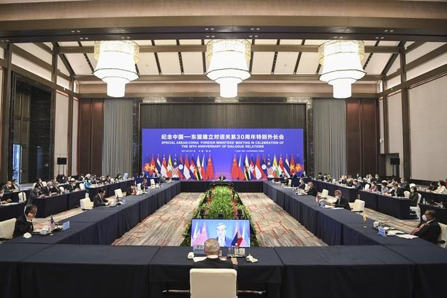 Việt Nam tích cực cùng ASEAN và Trung Quốc tăng cường đối thoại chính trị, đẩy mạnh hợp tác toàn diện - Ảnh 2.