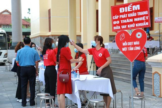 Hành trình Đỏ 2021 khởi đầu thắng lợi với 1.402 đơn vị máu tiếp nhận tại Lai Châu - Ảnh 1.