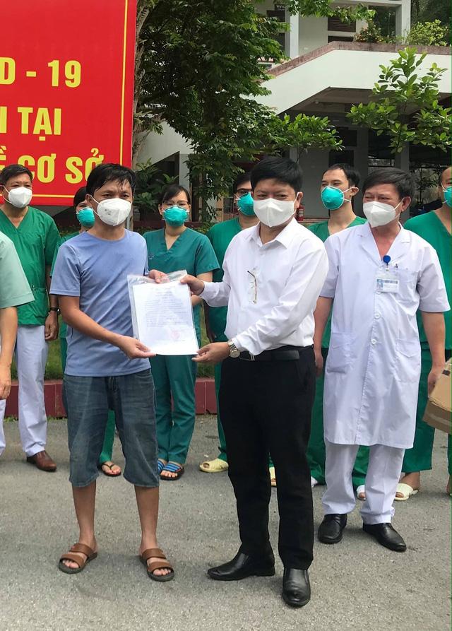 2 bệnh nhân COVID-19 nặng đầu tiên của Bắc Giang khỏi bệnh - Ảnh 1.