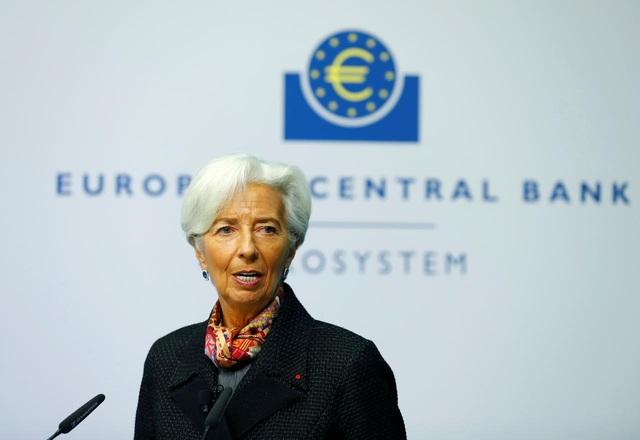 ECB giữ nguyên lãi suất gần bằng 0 - Ảnh 1.