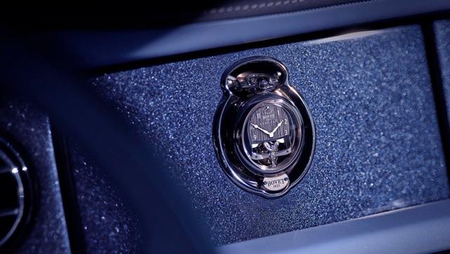 Mất 3.000 giờ để chế tác chiếc đồng hồ trên mẫu xe đắt nhất thế giới - Ảnh 6.