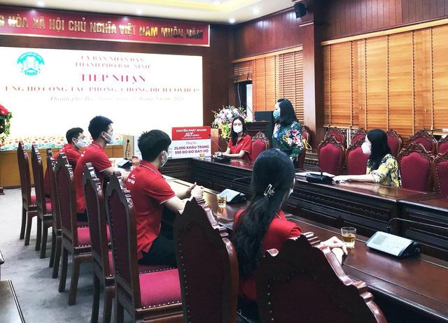 Chuyển phát nhanh J&T Express tiếp sức cùng Việt Nam chống dịch COVID-19 - Ảnh 2.