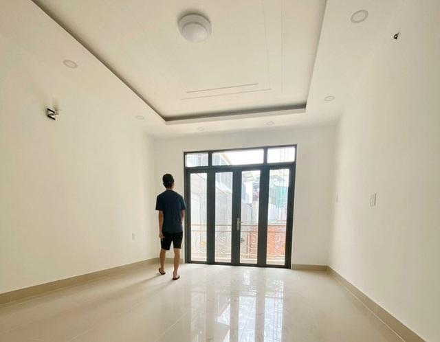 """Dịch vụ cho thuê nhà trọ ở TP Hồ Chí Minh lao đao vì dịch bệnh, hết thời """"hốt bạc"""" - ảnh 2"""