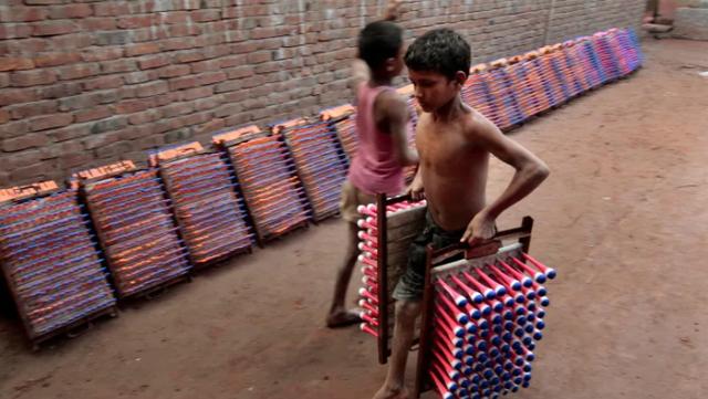 Cứ 10 trẻ em trên thế giới thì có 1 em phải lao động kiếm sống - Ảnh 1.