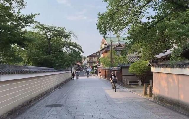 """COVID-19: Những điểm du lịch sầm uất của Nhật Bản trở nên """"hoang vắng"""" lạ thường - ảnh 2"""