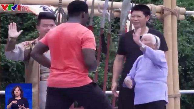 Màn trình diễn kungfu điêu luyện của cụ bà 98 tuổi - ảnh 1