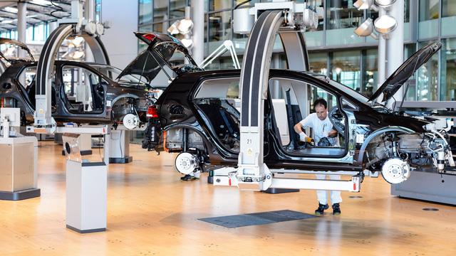 """Volkswagen """"thay máu"""" để tái sinh - Ảnh 1."""