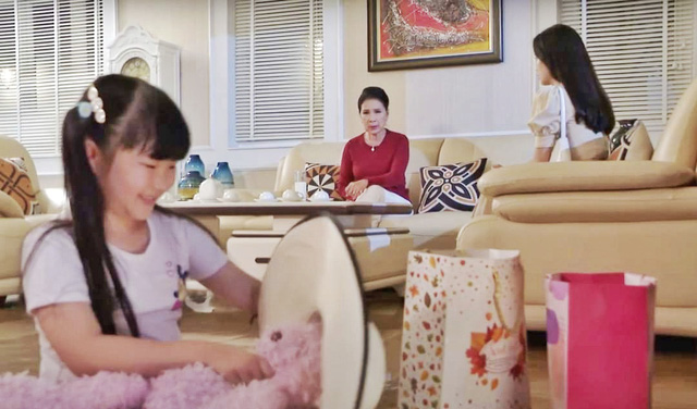 NSND Kim Xuân vào vai bà nội bỏ tiền mua cháu ruột từ người mẹ vô tâm - Ảnh 3.