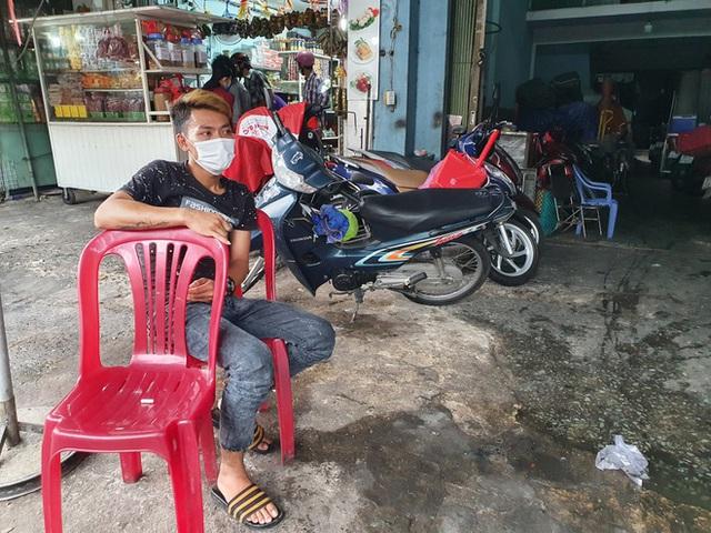Tiểu thương Sài Gòn vật lộn với dịch COVID-19: Hơn 50 năm chưa từng ế như vậy - Ảnh 3.