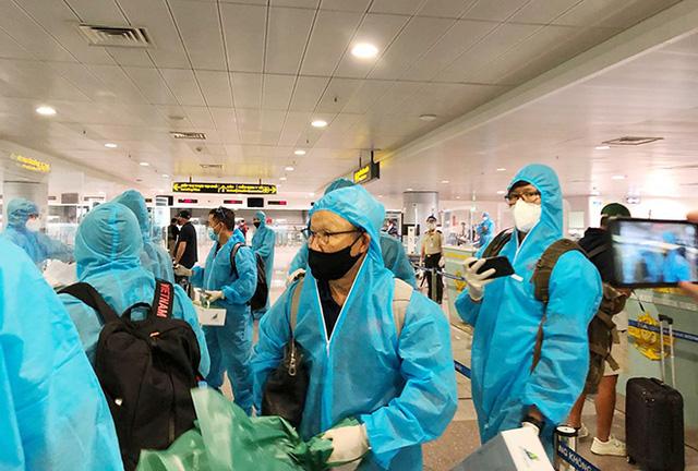 ĐT Việt Nam âm tính lần 1 với virus SARS-CoV-2 - Ảnh 1.