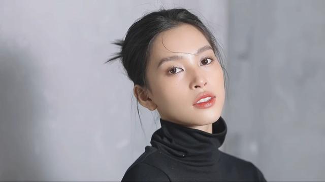 Vẻ đẹp trong veo của Hoa hậu Tiểu Vy - Ảnh 4.