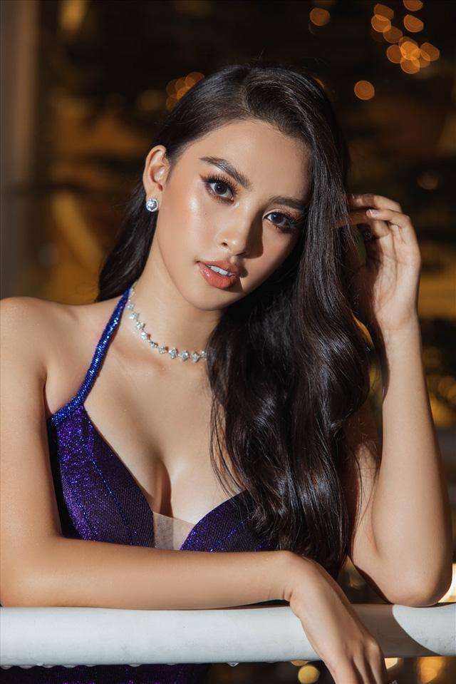 Vẻ đẹp trong veo của Hoa hậu Tiểu Vy - Ảnh 10.