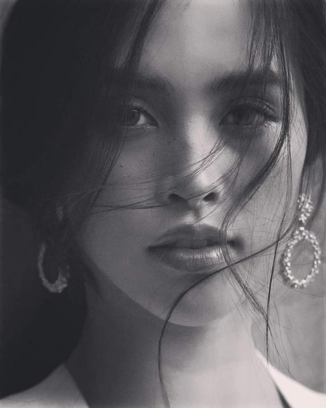Vẻ đẹp trong veo của Hoa hậu Tiểu Vy - Ảnh 9.