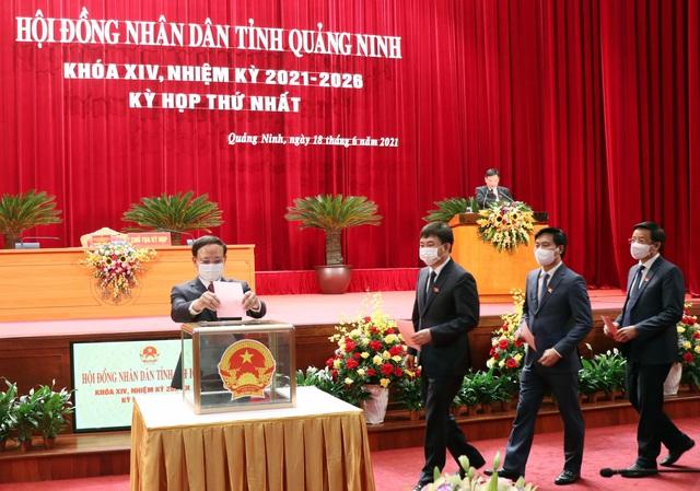 Chủ tịch HĐND tỉnh và Chủ tịch UBND tỉnh Quảng Ninh tái đắc cử - Ảnh 1.