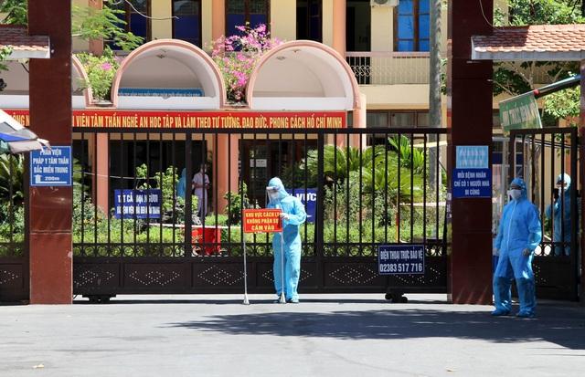 Phong tỏa Bệnh viện Tâm thần Nghệ An vì có nhân viên dương tính với SARS-CoV-2 - Ảnh 2.