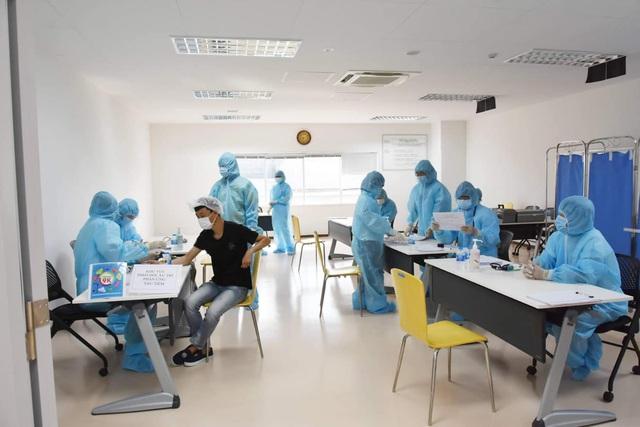 Khởi động chiến dịch tiêm chủng 836.000 liều vaccine tại TP. Hồ Chí Minh - Ảnh 7.