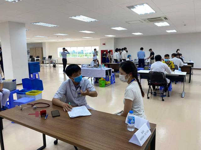 Khởi động chiến dịch tiêm chủng 836.000 liều vaccine tại TP. Hồ Chí Minh - Ảnh 4.