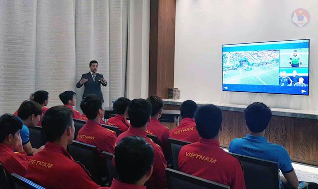 AFC lên kế hoạch sử dụng công nghệ VAR tại vòng loại thứ ba World Cup 2022 khu vực châu Á - Ảnh 1.