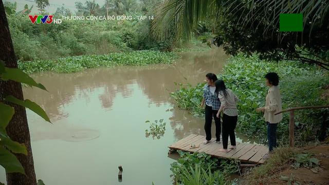 Thương con cá rô đồng - Tập 14: Hết dì Tư đến Lành bị ông Lưu mua chuộc - Ảnh 2.