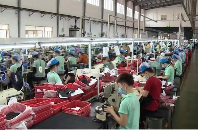 Bình Dương: Công nhân bị ảnh hưởng dịch COVID-19 được hỗ trợ tới 3 triệu đồng/người - Ảnh 2.
